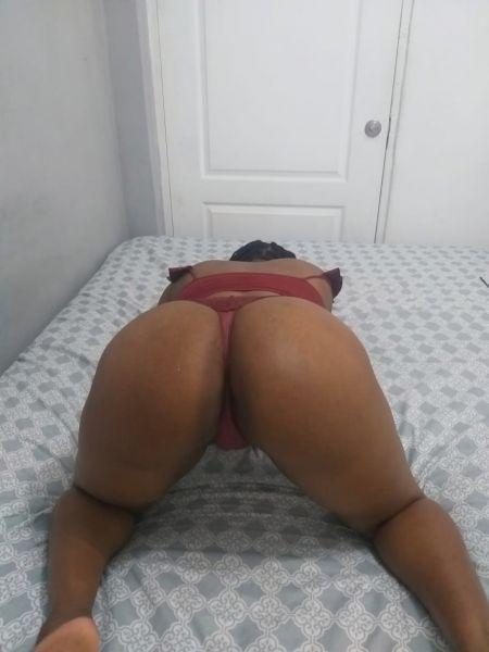Soy 100% natural senos y cola, doy besos, caricias, soy aseada, me encanta el sexo oral garganta profunda, puedes lamer mi vagina cuanto desees, hacer posiciones, me gusta el sexo fuerte y TRIOS